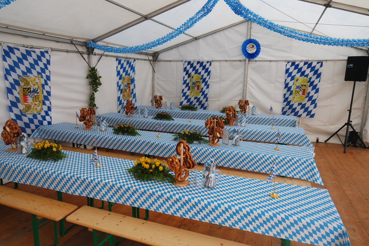 Z nftiges oktoberfest for Festzelt dekoration